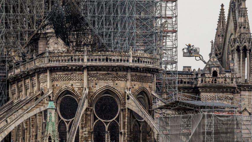 Prancis Membuat kompetisi Untuk Rekonstruksi Menara Notre Dame